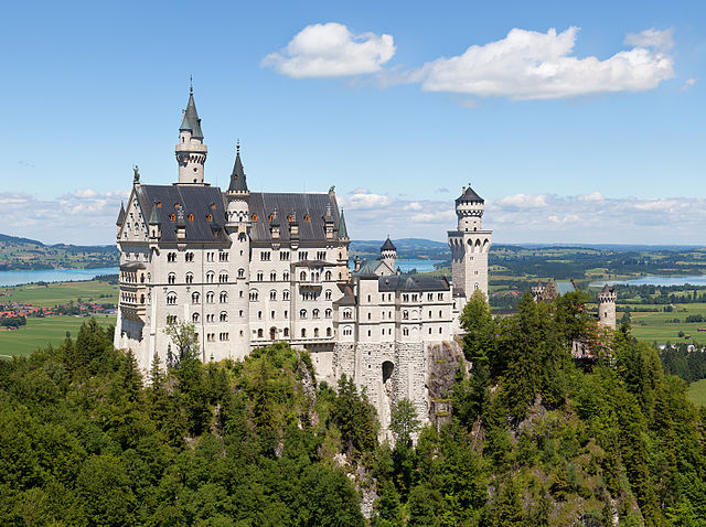Jessamy Taylor's top 10 castles in fiction   Children's books